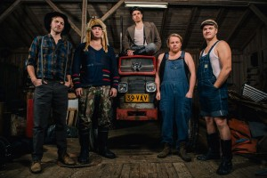 steve-n-seagulls-farm-machine-7632_1