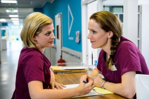 Lizzy Riedm¸ller (Theresa Underberg) und Betty Dewald (Bettina Lamprecht) in Verbindung mit der Sendung bei Nennung ZDF/Willi Weber