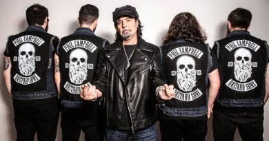 PHIL CAMPBELL BEI NUCLEAR BLAST